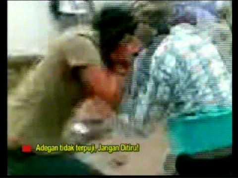 perkelahian cewek SMUN I kupang - YouTube
