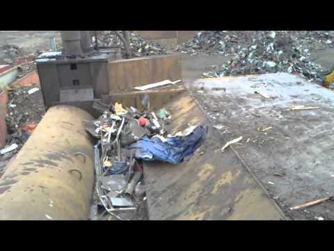 Shear In Action At The Scrap Yard