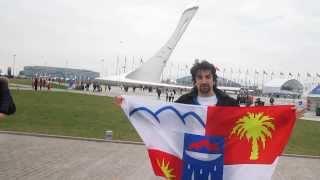 Флаг Сочи нужно знать в лицо. Что означает флаг Сочи ?(Источник Википедия: Флаг города Сочи разделён на четыре части, отражающие современную планировочно-градос..., 2014-02-18T20:41:58.000Z)