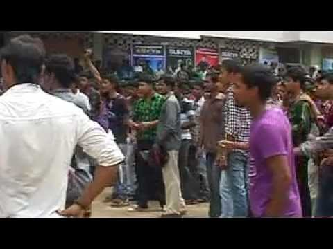 Surya's 7aum arivu Trivandrum FDFS (SFC Kerala) - YouTube