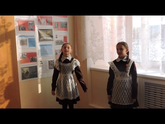 Изображение предпросмотра прочтения – Анастасия и ВалентинаСочневы читает произведение «Ветхая избушка» А.А.Блока