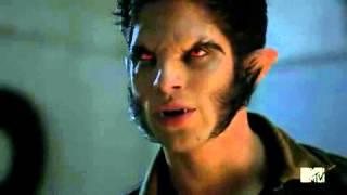 Teen Wolf Scott Bites Liam