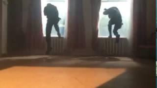 """Сериал """"САУ"""" Трюк с преодолением стекла"""