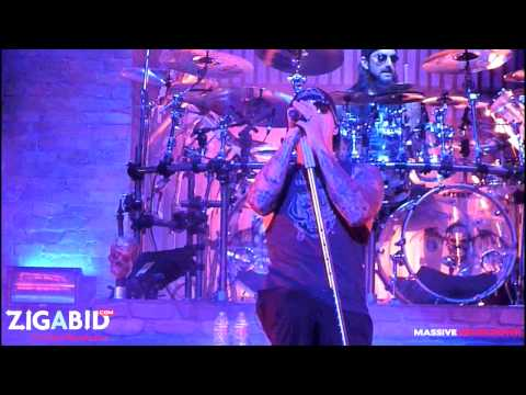 Avenged Sevenfold - So Far Away  (LIVE EXCLUSIVE)