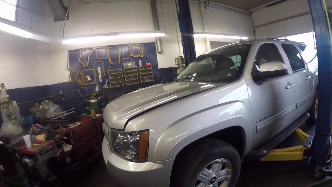 small resolution of 2011 chevy suburban 4x4 6l80e transmission removal