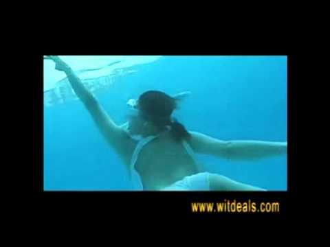 カメラ水中撮影ケースで撮影した超セクシー美人