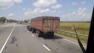 Дагестанские зерновозы КамАЗ (тягаются на трассе)