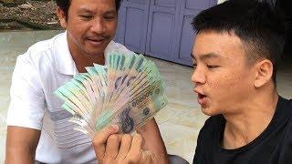 Hai Cha Con Đi Nhận Tiền Từ YouTube