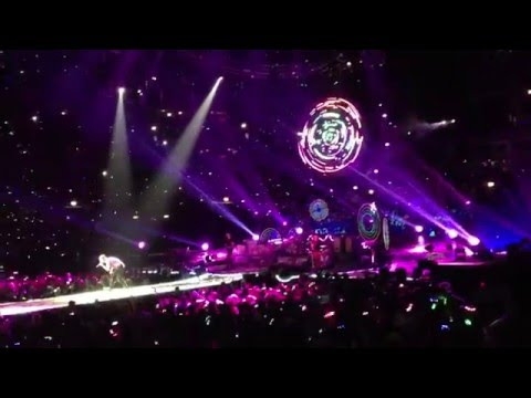 Coldplay - August 7th, 2012, in Chicago at United Center