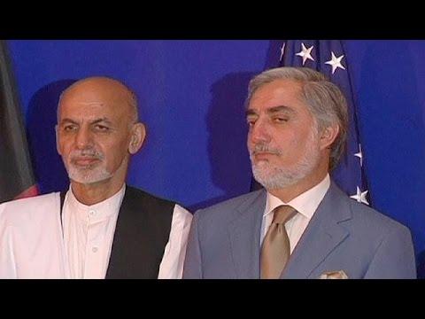 Kerry brokers deal between Afghanistan presidential rivals