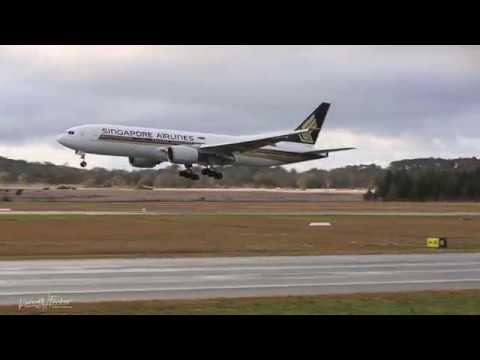 Singapore Airlines B777-212(ER) landing at Canberra