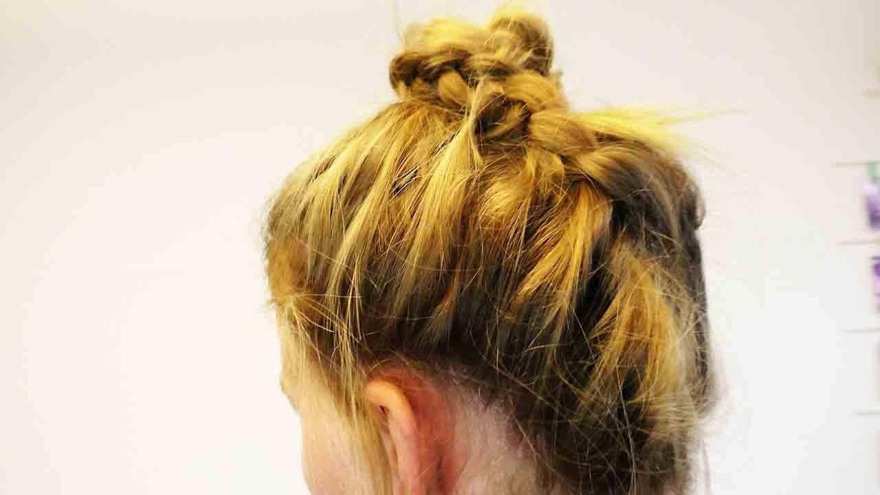 Festliche Hochsteckfrisur Selber Machen Diy Frisuren Haare