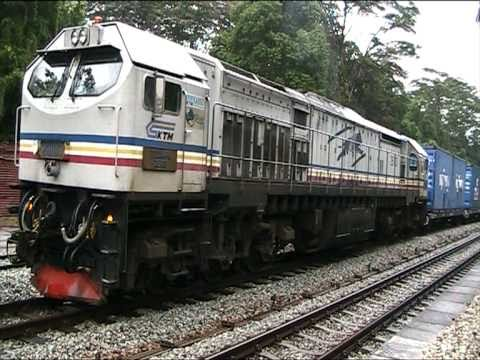 [KTM] 26103 Tanjung Dumpil with Northbound Freight (Train 156)