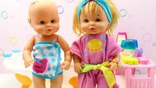 Rutina de Noche Bebés Nenuco Hermanitas Traviesas | Hora del Baño y Cena en la Cocinita Nenuco thumbnail