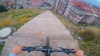 Bisikletle Sonsuz Merdiven İnmek !