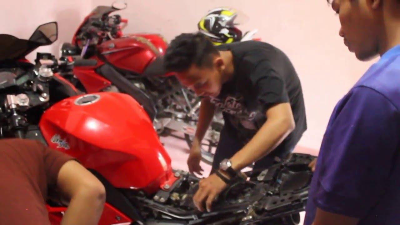 Trik Mencari Sekring Dan Pemasanagan Accu Di Motor Kawasaki 250