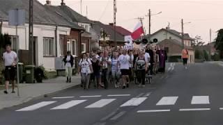 93. Piesza Pielgrzymka Łódzka | Grupa 5 przechodzi przez Brzeźnicę