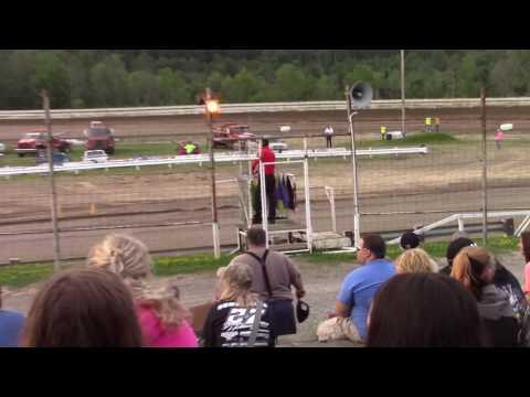 Hummingbird Speedway (7-15-17): BWP Bats Late Model Heat Race #1
