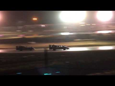 9/2/2017 Gillette Thunder Speedway main event outside view