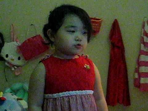 Red Ridding Hood 1 - Angelina ThuyTien Truong (3yr)