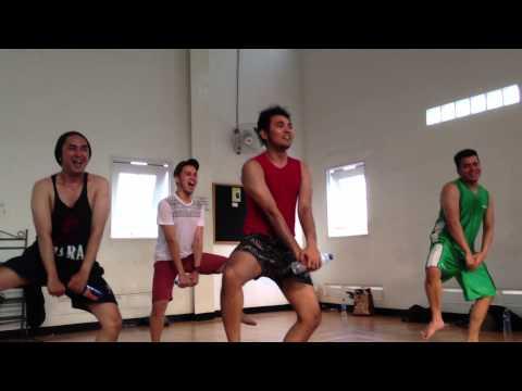 Boyfriend Latihan Goyang kingkong