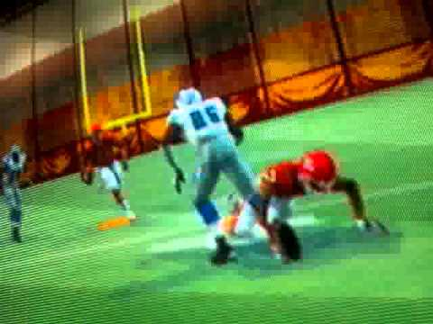 Nice juke move by Priest Holmes (Madden 06)