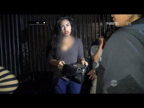Sekumpulan Wanita Ditemukan Asyik Nongkrong Larut Malam di Pinggir Jalan - 86