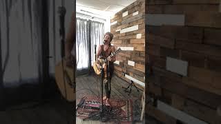 Скачать All Time Low Jon Bellion Live Looping Cover Taylor Reed