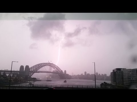 RAW VIDEO: Thunderstorm Over The Sydney Harbour Bridge | 7 Dec 2014