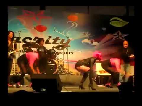 Neha Bhasin live performance