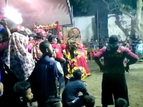 Samboyo putro lagu sunpuji & gugur bunga live gading