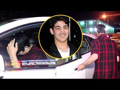 Akshay Kumar's Son Aarav HIDES His Face From Cameras | Spotted