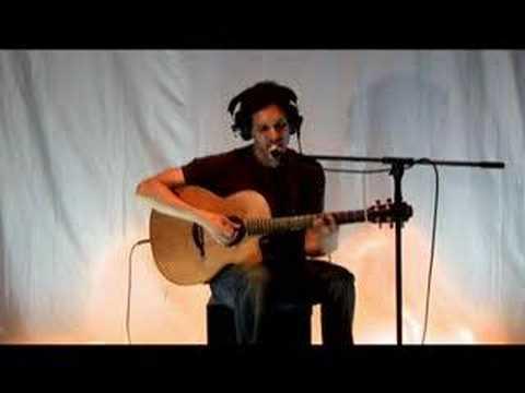 Yoav - Beautiful Lie (Engine Room Session)