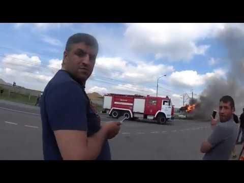 Пожар.Шереметьево. В  аномальную жару  загорелся автобус на Шереметьевском шоссе.