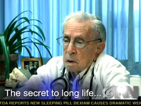 World's Oldest Neurosurgeon Turns 100