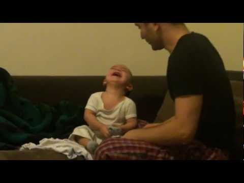 daddy makes berk baby laugh histerically