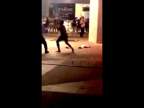 Security Uncle vs Keychain Seller At Cathay Cineleisure!! Kung Fu in Singapore! 25th Oct 2013