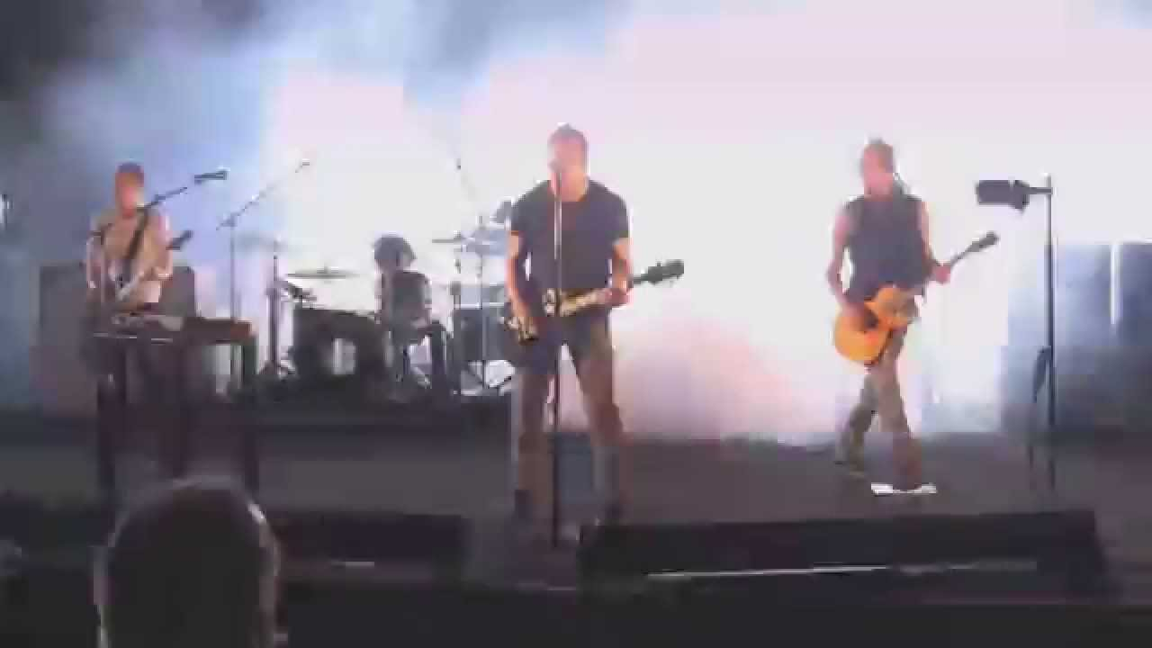 Nine Inch Nails - Live in Kansas City 2009 (chaonatic-cam) - YouTube