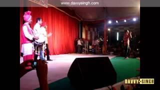 DAVVY SINGH, BINNU DHILLON & AMRINDER GILL performing Live Bhangra at PAU Ludhiana ......