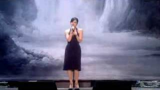 lily allen 2007 swarovski fashion rocks singing ldn