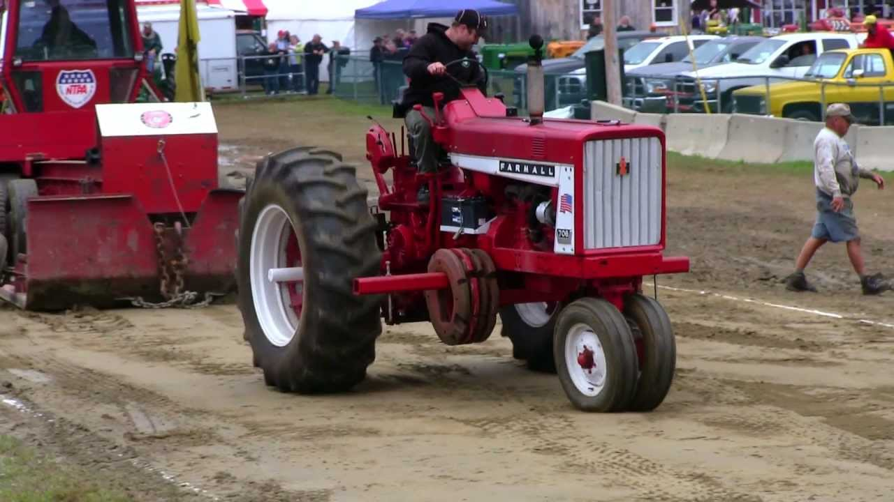 Pulling Tractors For Sale >> Farmall 706 - Antique Tractor Pull Deerfield Fair NH 2012 Video # 63 - YouTube