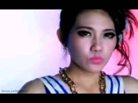 VIA VALLEN ♥ 5 Centi ( video official )