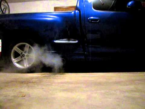 2003 F150 Lightning exhaust start up and rev......
