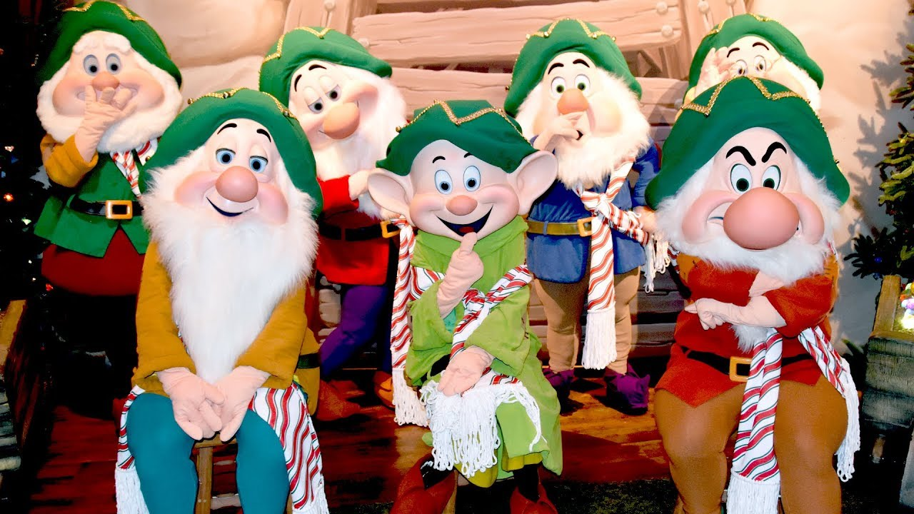 Mickeys Very Merry Christmas Party 2018.All Seven Dwarfs Meet Us At Mickey S Very Merry Christmas Party 2018 Walt Disney World