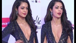 Bollywood New Actress Anya Singh HOT At Filmfare Glamour And Style Awards 2017