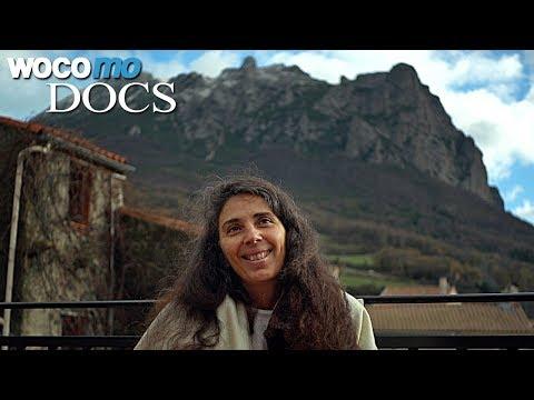Bugarach - Endzeit-Touristen belagern ein kleines Dorf in Frankreich Dokumentation, 2014