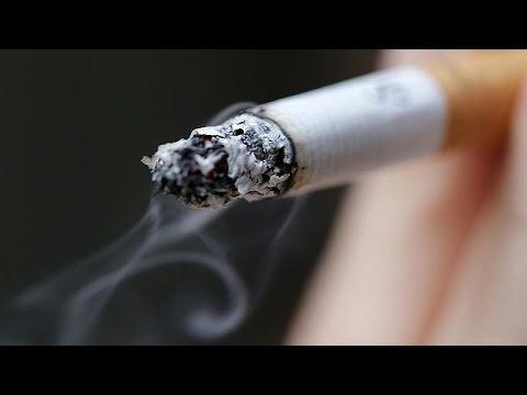 İngiltere'de tek tip sigara paketi uygulaması kapıda