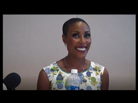 Black Lightning  Christine Adams  Comic Con