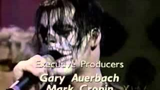 Guitar : Doyle Guitar bass : Jerry Only Vocal : michale graves Drum...