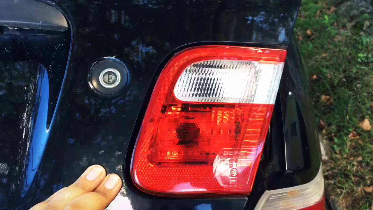 2016 Bmw 328i >> 2000 BMW 323i E46 reverse light lense replacement - YouTube